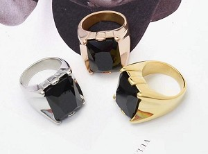 Stainless Steel, Rose gold (middle of the picure), Onyx stone, Heigh 21mm, Size 7.